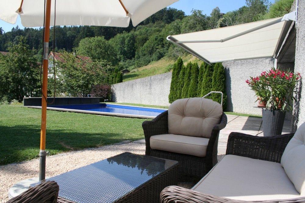 Gartenanlage mit Swimming-Pool