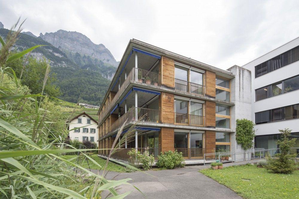 Wohnen mitten in der Berg- und Seelandschaft: Das Haus Selun