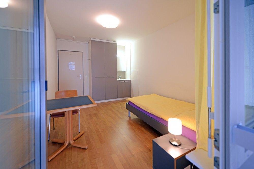 Zimmer Frauenwohnhaus
