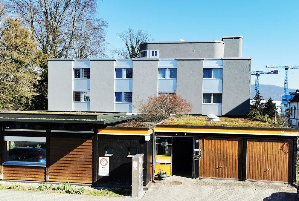 Das Wohnhaus mit Pavillon am Standort Aarau