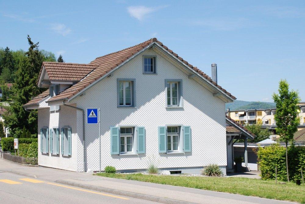Teilbetreute Wohnplätze - Verschiedene Einfamilienhäuser und zugemietete Wohnungen