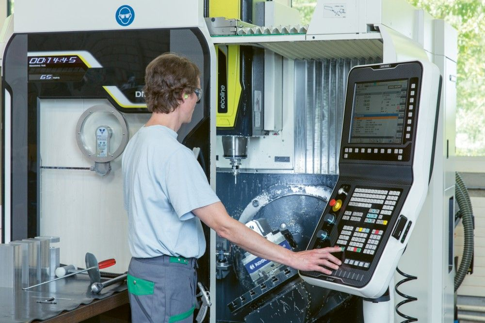 Mitarbeiterin Industrie CNC oder Mitarbeiter Industrie CNC (100%) - betreuter Arbeitsplatz